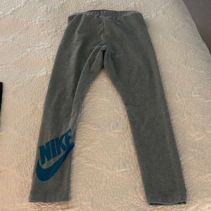Nike gray crop leggings